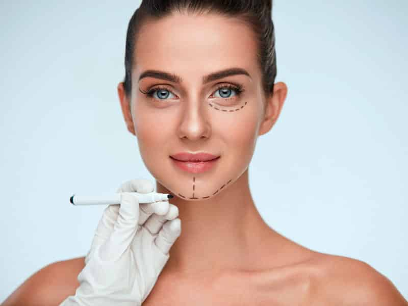 Is it possible to claim an aesthetic surgery intervention?